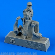 480094AERO  Фигура USAF Maintenance Crew - Farm Gate Operation Vietnam War 1965-1973 1/48