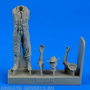320071AERO  Royal Australian Air Force Fighter Pilot WWII 1/32